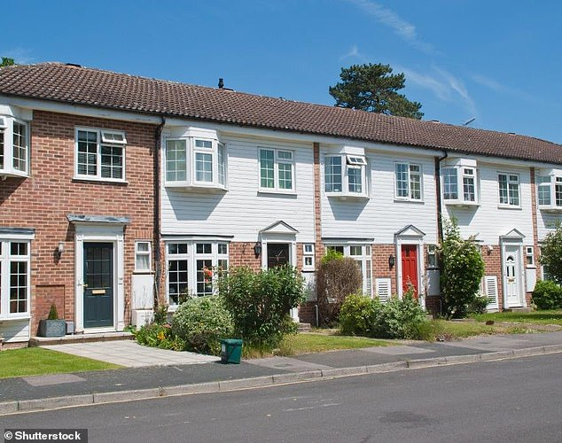 RICS: South East suffers biggest house price drops but London picks up